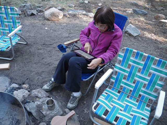 Using tablet on beach by Florian via Flickr