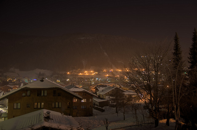 morzine night by mazphoto