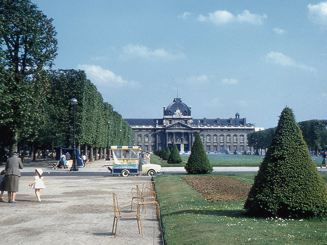 7- Paris - École Militaire via flickr by roger4336
