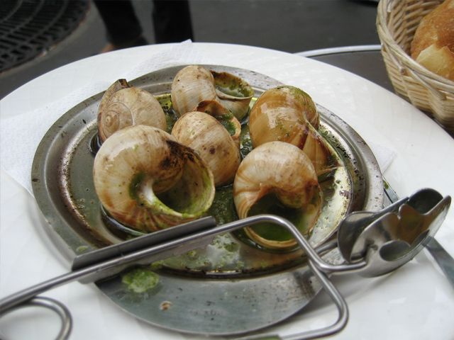8 - escargots meal at paris cafe via flickr by Ruth L