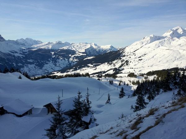 Cheap Ski Deals: High Resorts for Early Birds