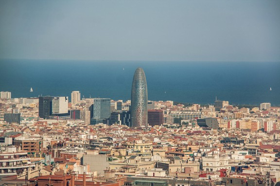barcelona skyline via flickr by juanedc