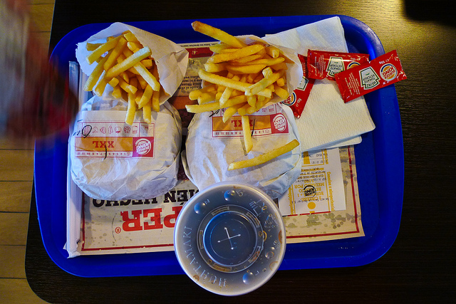 Burger & Chips by Hakan Dahlstrom via Flickr