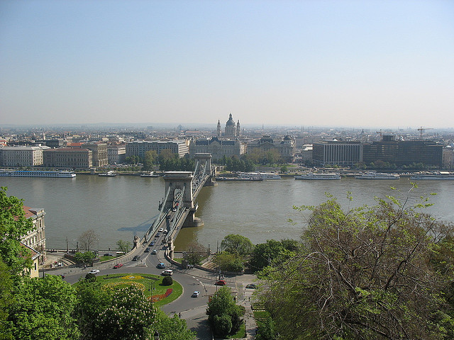 Budapest via flickr by teofilo