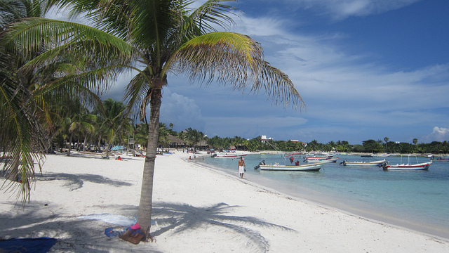 Playa del Carmen beach by jarnocan via Flickr
