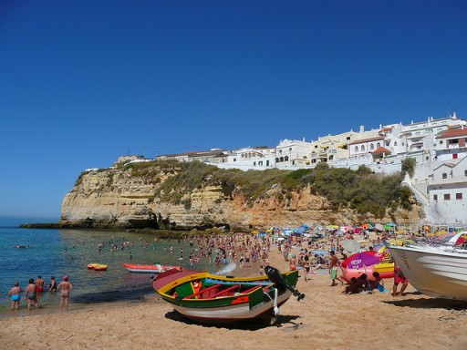 Algarve beach by Alquiler de Coches via Flickr