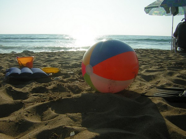 Travel Wardrobe Challenge: Five Things to Do with a Beach Ball