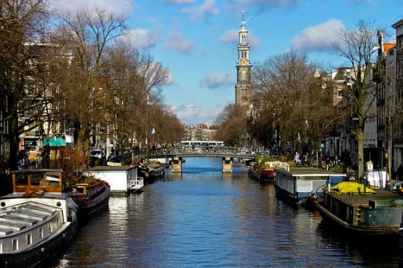 Amsterdam Canals by Amber de Bruin via Flickr
