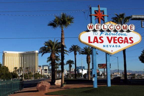 Las Vegas Sign by Prayitno Photography via Flickr