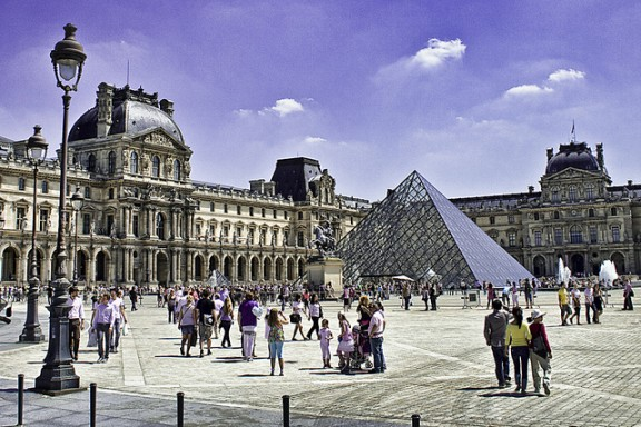 Louvre Museum by Gabriel Villena via Flickr