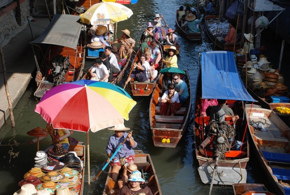 Thailand Floating Market by xiquinhosilva via Flickr
