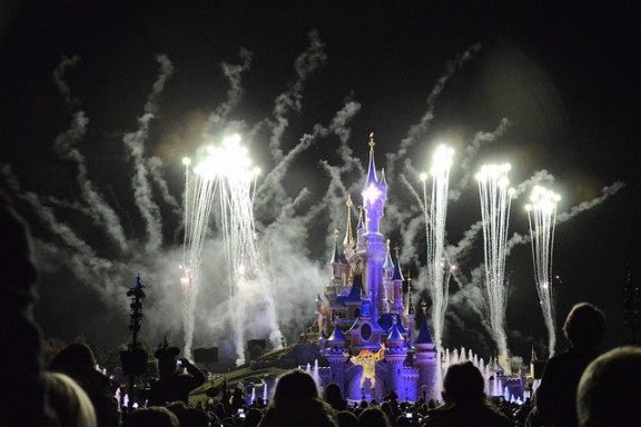 Disneyland Paris Fireworks by Alias 0591 via Flickr
