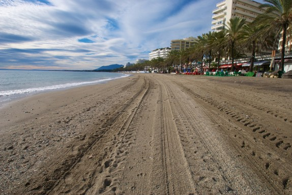 Marbella beach by Peter & Michelle S via Flickr