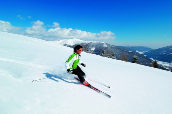 Hit the Slopes this Winter! Here are 4 Cheap Ski Deals
