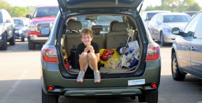 Child in car by Jim Larrison via Flickr