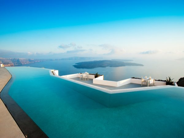 Fancy a dip? – Top 5 Infinity pools!